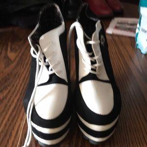 Jingpin size 8 High heels